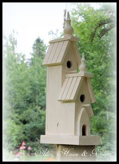 Aiken House & Gardens: I want to make this birdhouse
