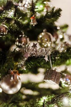 old hollywood glamour home – Tepe Time Christmas Deals, Christmas Themes, Christmas Bulbs, Merry Christmas, Holiday Decor, Home Improvement Center, Home Improvement Loans, Home Improvement Projects, Hollywood Glamour