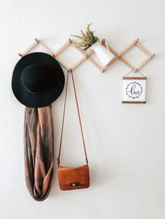 Stylish expanding wall rack for coffee mugs, scarfs, hats, etc. Mug Wall Rack, Wall Racks, Scarf Rack, Cool Apartments, Home And Deco, My New Room, Cozy House, Home Decor Inspiration, Home And Living