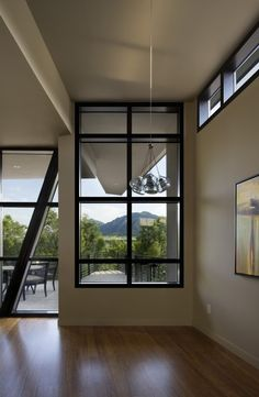 Fractured House / Studio H:T. Obsessed with those windows