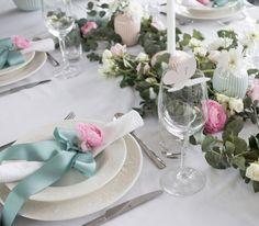 http://anettewillemine.com/ - Table setting, tablescape in pastel colors, pink, turquoise and white. Borddekking i pastellfarger, rosa, mint og hvitt til for eksempel konfirmasjon.