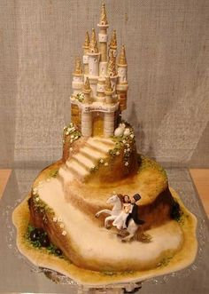 Officially getting a sandcastle wedding cake!