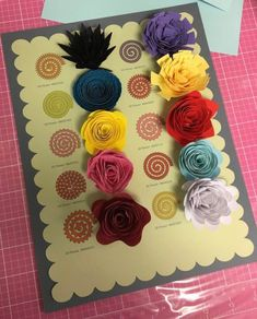 Felt Crafts, Diy And Crafts, Paper Crafts, Flower Shadow Box, Circuit Crafts, Cricut Craft Room, Giant Paper Flowers, Flower Template, Origami
