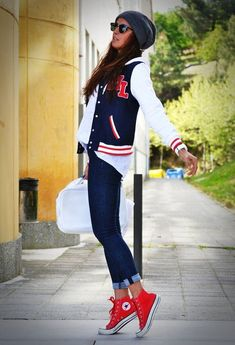 Discover and organize outfit ideas for your clothes. Decide your daily outfit with your wardrobe clothes, and discover the most inspiring personal style Outfits With Converse, Tomboy Outfits, Casual Outfits, Cute Outfits, Red Converse, Jeans Converse, Letterman Jacket Outfit, Letterman Jackets, Bomber Jackets