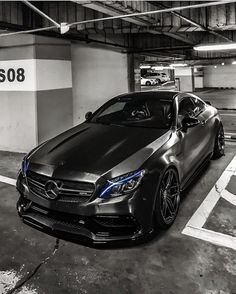 Mercedes-AMG lose sight of your potential. Keep growing……Cool Mercedes awesome Check Out This… AMG AMG Mercedes Auto, Mercedes Benz Autos, Mercedes Stern, Mercedes Sprinter, Dream Cars, Allroad Audi, Carros Bmw, Benz Amg, Amg C63