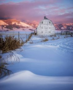 ✿❣✿ BARN BLENDING IN WITH THE SNOW ✿❣✿ ✨✨ Winter Sunset, Winter Scenery, Winter Time, Winter Snow, Winter Magic, Winter Pictures, Farm Art, Barn Photography, Country Barns