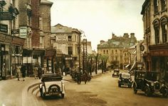 The High Street in the late 1920s/early 1930s.