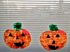 Adorable and Easy Halloween Window Cling Idea Using Glad Press and Seal http://www.chicagonow.com/i-got-a-dumpster-family/2017/10/adorable-and-easy-halloween-window-cling-idea-using-glad-press-and-seal/
