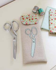 Scissors Pouch by Stacy Olson
