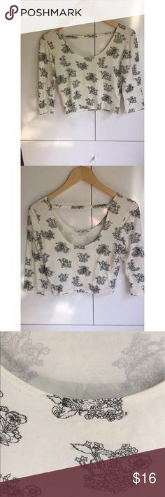 Urban Outfitters black floral crop top ⚪️size: medium ⚪️soft stretchy material ⚪️very small unnoticeable stain on back Pins and Needles Tops Crop Tops