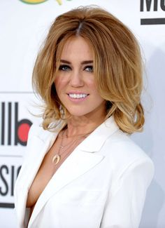 Miley Cyrus with a volumised, glam, faux-bob. #mileycyrus #hair