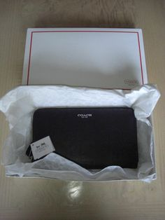 Coach 50202 Legacy Black Leather Continental Zip Clutch Wallet NWT
