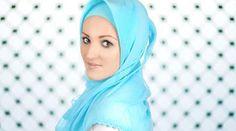 5a7bd9cddcd75 أناقة حجابك بنصائح مصممات الأزياء - نصف الدنيا