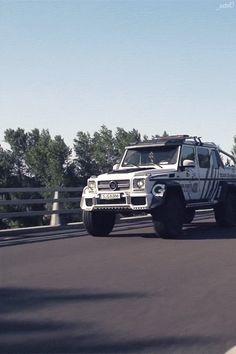 Brabus Mercedes G63 AMG 6x6 700 // Etc