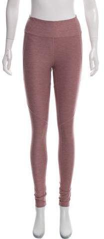 Mauve Outdoor Voices mid-rise athletic leggings with elasticized waistband and tonal stitching throughout. Athletic Pants, The Voice, Leggings, Christmas, Outdoor, Fashion, Xmas, Outdoors, Moda