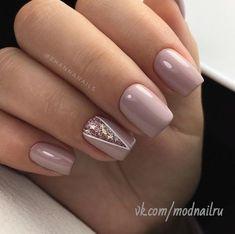 Glitter triangle accent nail