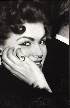 Patsy Cline (September 8, 1932 – March 5, 1963), born Virginia Patterson Hensley, was an American country music singer. Died age 31 - plane crash.