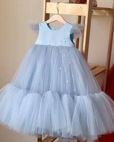 Kids Dress Wear, Kids Gown, Baby Dress, The Dress, Wedding Dresses For Kids, Dresses Kids Girl, Girl Outfits, Flower Girl Dresses, Princess Frocks