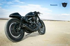 An alliance between Roland Sands and Technics, the DJ and audio technology brand, delivers this stunning custom Harley cafe racer. Scrambler Custom, Custom Sportster, Custom Harleys, Harley Davidson Sportster, Custom Motorcycles, Custom Bikes, Roland Sands, Scrambler Motorcycle, Motorcycle Parts