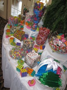 The Effective Pictures We Offer You About decoration table 80s Birthday Parties, Birthday Party Themes, 40th Birthday, Birthday Ideas, 90s Theme Party Decorations, Wedding Decorations, Balloon Decorations, 80s Candy, 2000s Party