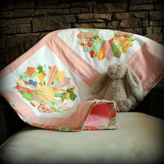 LOVE!!!! Sweet Dresden plate quilt. Vintage style