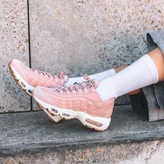 Sneakers women - Nike Air Max 95 premium pink (©overkillwomen)