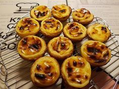 Receita simples com fazer pastel de nata. - Receita Sobremesa : Pastel de Nata Simples na Bimby de Zecompadre Finger Food Desserts, Finger Foods, Thermomix Desserts, Dessert Recipes, Cake Piping, Tasty, Yummy Food, Multicooker, Portuguese Recipes