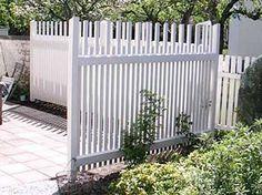 Bildresultat för vit stående spalje While ancient in idea, this pergola has been enduring a White Picket Fence, White Fence, Garden Trellis, Garden Fencing, Landscape Design, Garden Design, Portal, Garden Yard Ideas, Wall Railing