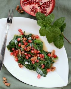 Red & Green Warm Spinach Salad, another simple but special salad ♥ AVeggieVenture.com. Low Carb.