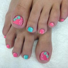 Since Polka dot Pattern are extremely cute & trendy, here are some Polka dot Nail designs for the season. Get the best Polka dot nail art,tips & ideas here. Toenail Art Designs, Dot Nail Designs, Pedicure Designs, Pedicure Nail Art, Gel Nail, Pretty Toe Nails, Cute Toe Nails, Sexy Nails, 3d Nails