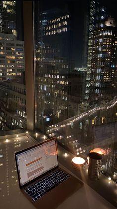 Night Aesthetic, City Aesthetic, Travel Aesthetic, Apartment View, Dream Apartment, New York Life, Nyc Life, Apartamento New York, City Vibe