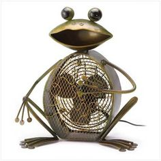 Want the perfect item for the frog fans out there, here it is. The Funny-faced frog is a charming sculpture with a special secret: His mesh-panel body cleverly hides a powerful household fan. A deligh