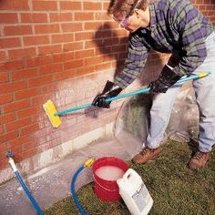 Efflorescence, a powdery white substance on bricks, can indicate a serious problem with chimneys. This article covers the possible causes of the problem and the steps you need to take to fix it. If you have this problem, don't let it go or it could lead to brick and mortar deterioration.