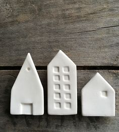 ceramic city magnets inspriation board white set by cravestudio Clay Projects, Clay Crafts, Diy Craft Projects, Craft Tutorials, Arts And Crafts, Fimo Clay, Ceramic Clay, Ceramic Pottery, Pottery Art