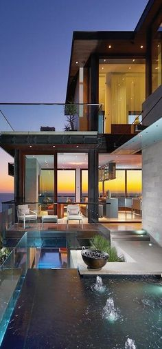 I dont normally go for total modern homes, but this is gorgeous