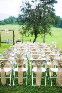 Retrouvez plein d'idées pour décorer vos chaises de mariage ! Mariage champêtre