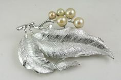 Vintage Sarah Coventry Jewelry Silvery Splendor Silver Faux Pearl Brooch Pin