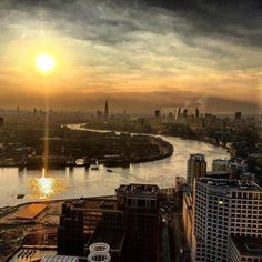 #Cocktails #PaddysDay #Level39Bar #Drinks #London #TheShard #TheCity #OneCanadaSquare #CityScape #CityView #CityPictures by aidanrbolton