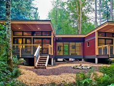 Method Homes This company offers unlimited customization in terms of size and layout. You can also choose from sustainable building options, including a rainwater harvesting system.