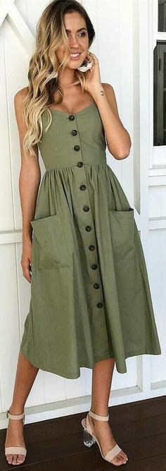 Buttons, pockets, love that cut of dress!