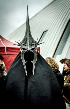How to:  Witch King Cosplay helmet