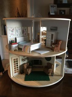 Two Story Round, Revolving Dollhouse - gul Miniature Rooms, Miniature Crafts, Miniature Houses, Miniature Furniture, Dollhouse Furniture, Wooden Dollhouse, Diy Dollhouse, Dollhouse Miniatures, Mini Doll House