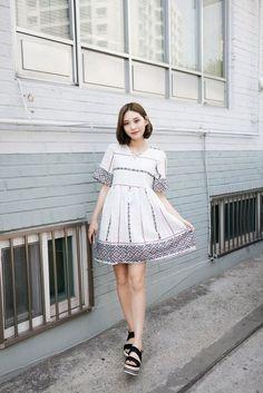 Stylish Ways to Wear Dresses From Korean Fashion Style  http://www.ferbena.com/stylish-ways-to-wear-dresses-from-korean-fashion-style.html