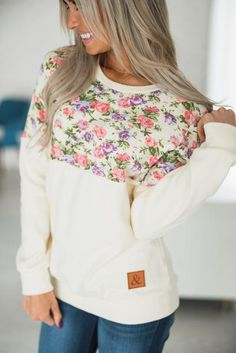 This adorable double hooded sweatshirt is the perfect lightweight hoodie to add to your closet. New Outfits, Fall Outfits, Cute Outfits, Looks Style, My Style, Diy Clothes, Clothes For Women, Levi Cosplay, Sweaters And Leggings