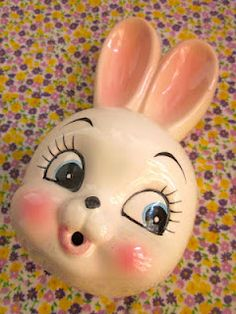 Vintage bunny string holder.