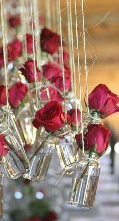 decoração de casamento garrafa rosas vermelhas