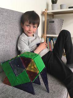 Billeder fra Magna-Tiles konkurrence på Facebook, hvor børnene skulle bygge sjove Magna-Tiles konstruktioner...  #MagnaTiles #ViHarDetSjovt #Konstruktionslegetøj #Magnetlegetøj #Magnetleg #PopulærtLegetøj #Legebyen #LegebyenDK