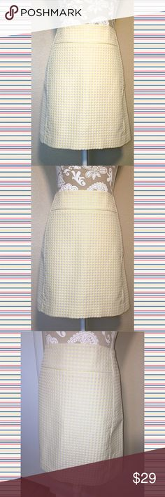 LOFT cream & yellow polka dot a line skirt LOFT cream & yellow polka dot midi a-line skirt. Size 8. 61% poly 39% cotton. Fully lined, zipper with hook and eye closure, smoke free home. Adorable color combination that's perfect for summer. Dress up or down with Sandals and tank or dress up with heels and blazer. #skirt #yellow #cream #midi #loft ❌no trades❌ LOFT Skirts Midi