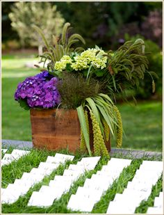 Sarah Worden Natural Design: Specializing in local, seasonal and responsibly grown flowers and materials.