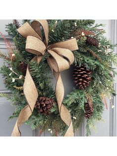 Rustic Christmas, Christmas Crafts, Christmas Decorations, Easy Halloween Crafts, Simple Christmas, Winter Christmas, Christmas Tree, Christmas Wreaths For Front Door, Holiday Wreaths